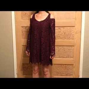NWT beautiful lace Chaser cold shoulder mini dress